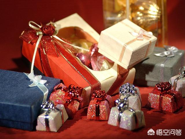 异性生日送礼物该收吗,异性朋友送的贵重礼物该不该收?