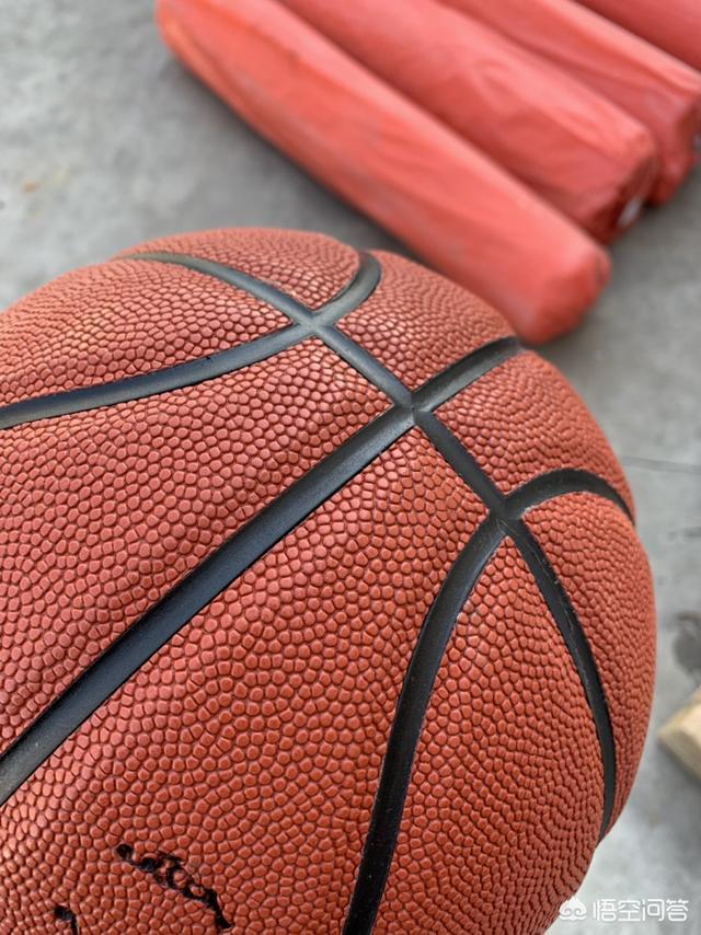 如何选购一款优秀的篮球?