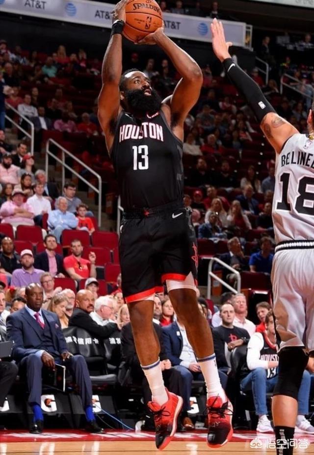 火箭马刺大战,哈登爆砍60+!如何评价哈登近期表现他是NBA最有威胁的得分手么图1