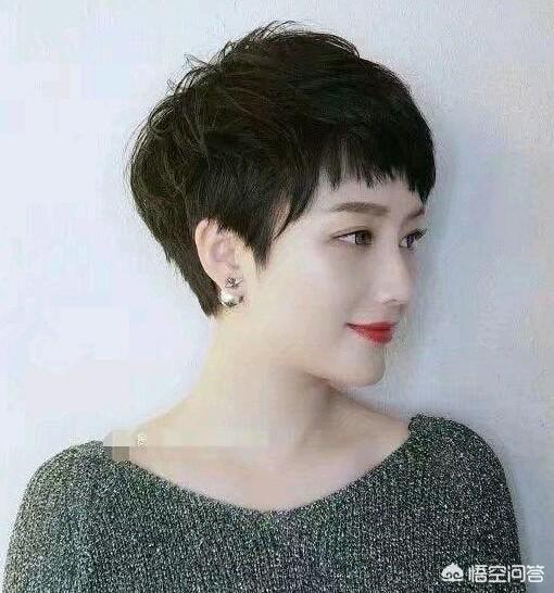 短碎发女,脸小的女孩可以留什么样的头发?