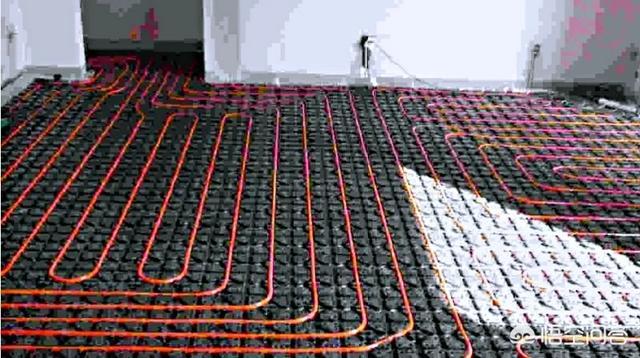 毛坯房地面平整,客厅应该怎么拉电线和地暖,地面还割不割沟?