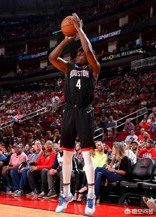 火箭马刺大战,哈登爆砍60+!如何评价哈登近期表现他是NBA最有威胁的得分手么图3
