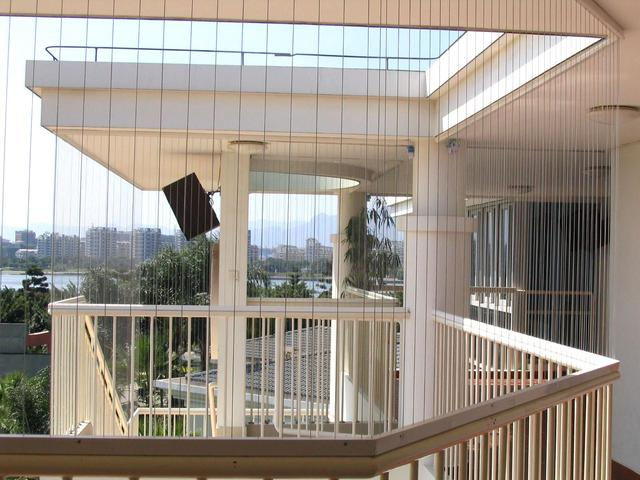 安装防盗窗觉得太压抑,有什么能替代防盗窗吗?(装什么防盗窗不压抑)