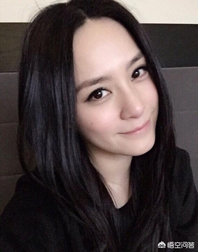 美女的胸部长什么样图片,你们觉得刘亦菲和钟欣潼谁更美?