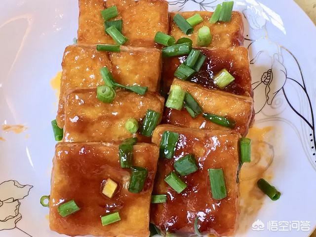 小土豆煮鸡翅,再加点红酒会怎样呢?(葡萄酒鸡翅怎么做)