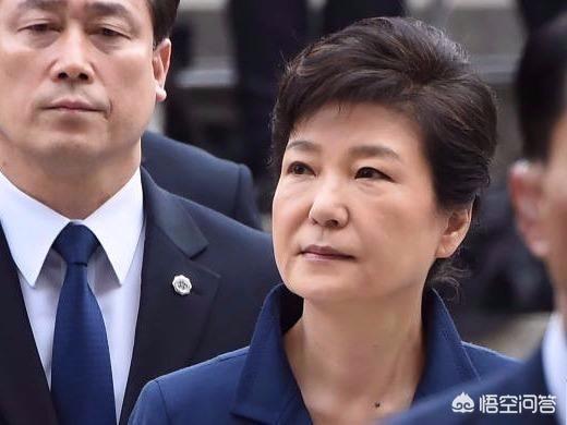 """朴槿惠说她无罪,为啥不打官司?却通过""""装可"""