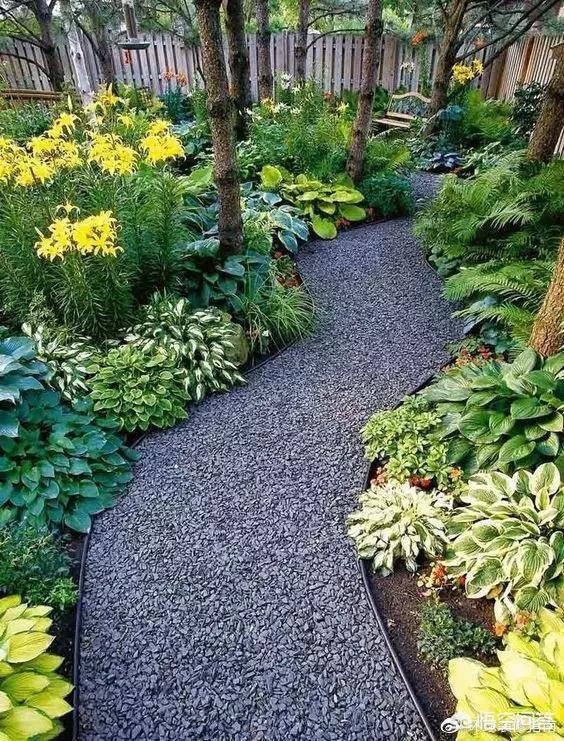 用什么铺院子实惠便宜、用什么材料铺院子便宜不滑?