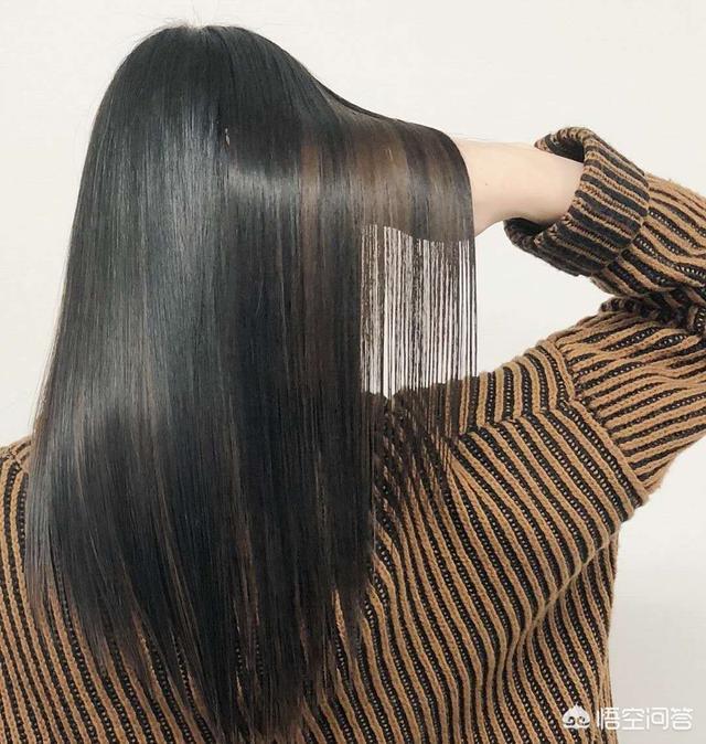 怎样让头发柔顺(用什么可以让头发变柔顺又直)