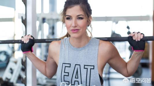 女生在健身的时候会化妆嘛,化妆后去健身出汗妆会花嘛?