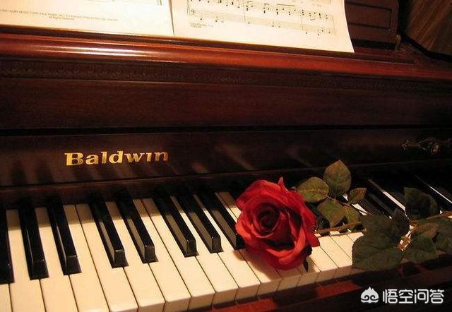 音乐学院钢琴系研究生真的不好找工作吗?