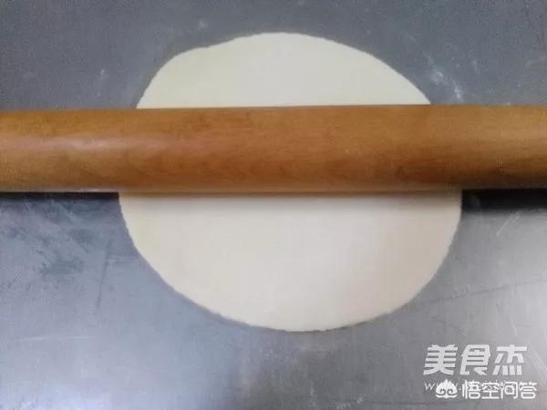 薄如纸的春饼是如何制作而成的?