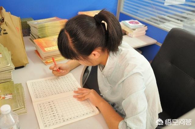 (高中语文作文题目万能模板 语文作文怎么写好)语文教学上,初高中怎么写好作文?