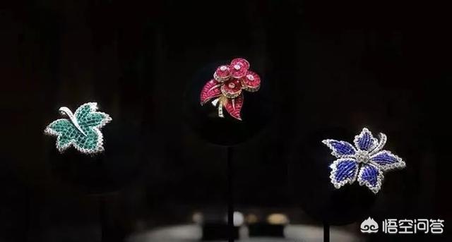 年轻女性戴珍珠的首饰什么款式的洋气不老气?