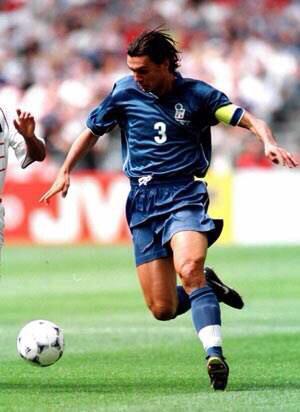 克洛泽在历届世界杯中一共进了几个球?(克洛泽世界杯进球纪录)