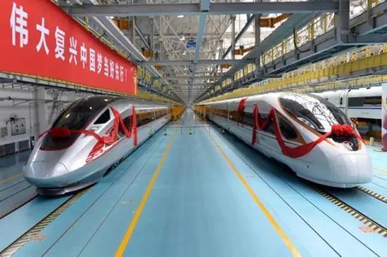 复兴号高铁跟和谐号高铁pk 中国高铁最新成员复
