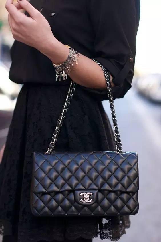 不同款式的包包跟衣服怎么搭配才最好看?(图20)