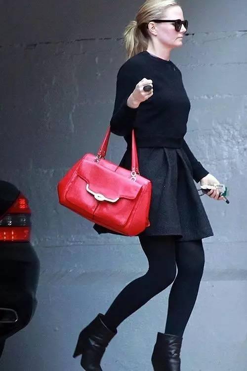不同款式的包包跟衣服怎么搭配才最好看?(图11)
