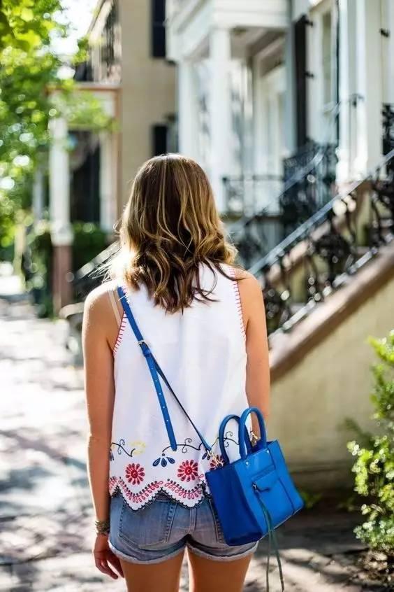 不同款式的包包跟衣服怎么搭配才最好看?(图8)