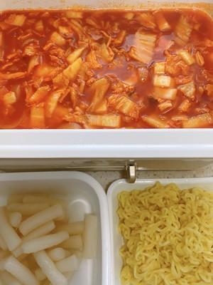 韩国的炒年糕,怎么做?需要哪些材料?(辣炒年糕的做法 韩国)