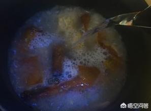 烤鸭鸭架怎么做成美味的鸭架汤?(烤鸭的鸭架怎么做好吃)