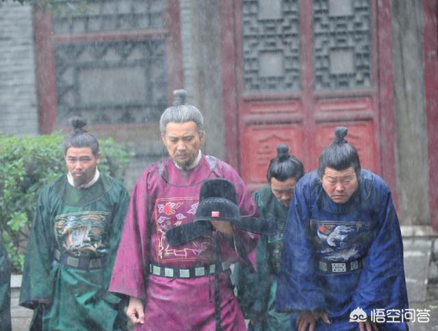 日本武士发型,为什么清朝人要把前面头发剃掉?