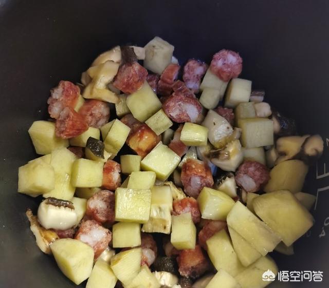 怎样用电饭煲做土豆焖饭?(用电饭煲做豆焖饭)