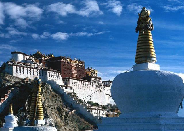 夫妻二人由宜昌出发去西藏自驾游总共得花费多少银子?
