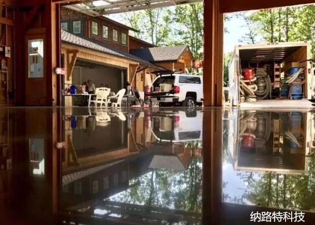固化地坪施工采取干磨方式好还是湿磨好?