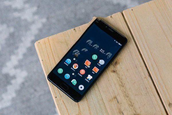 目前手机最具有性价比的是哪款?