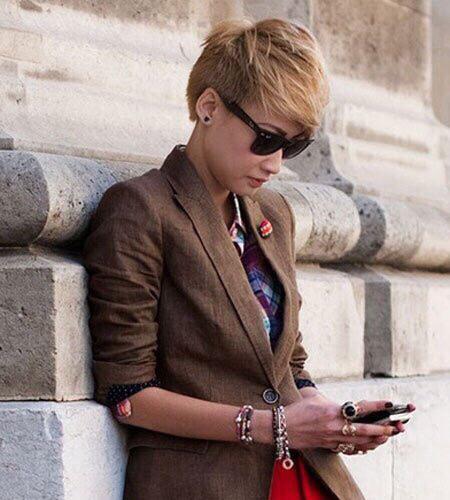 四十岁女人最洋气短发 小s发型图片短发 刘诗诗超短发亮相、陈伟霆震惊,超短发女孩怎样穿能有女人味?