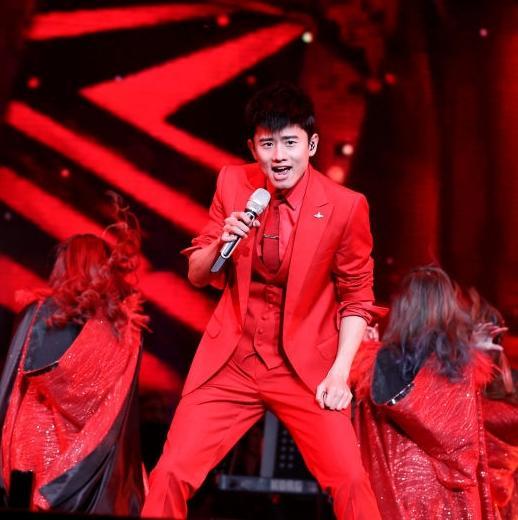 钟汉良照片,穿西装最帅的男明星是谁?