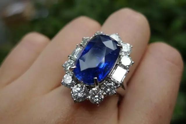 女人比较喜欢珠宝还是纯银首饰?插图16