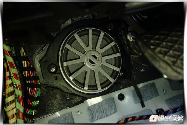 奔驰C200专车专用音响改装案例有吗?(图10)