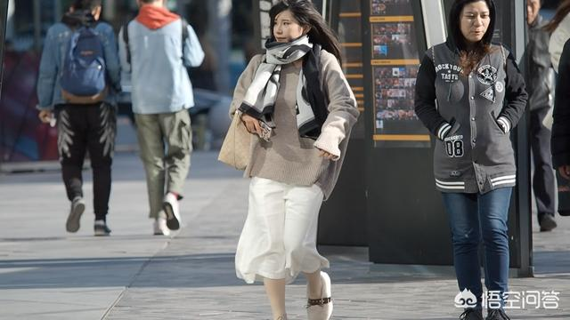 2013冬季最新美甲:冬日里,适合年轻女性,甜美穿搭有哪些?(相关长尾词)