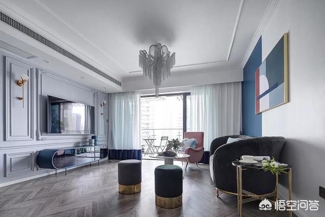 地板是灰色,柜子是白色,装修时墙面该如何配色?