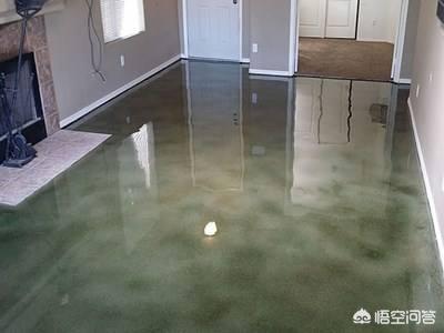 想在厨房的瓷砖上铺一层地坪漆,能防滑的?