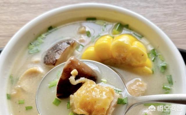 铁锅炖鸡怎么搞好吃,放哪些佐料?(铁锅炖鸡腿怎么做好吃)