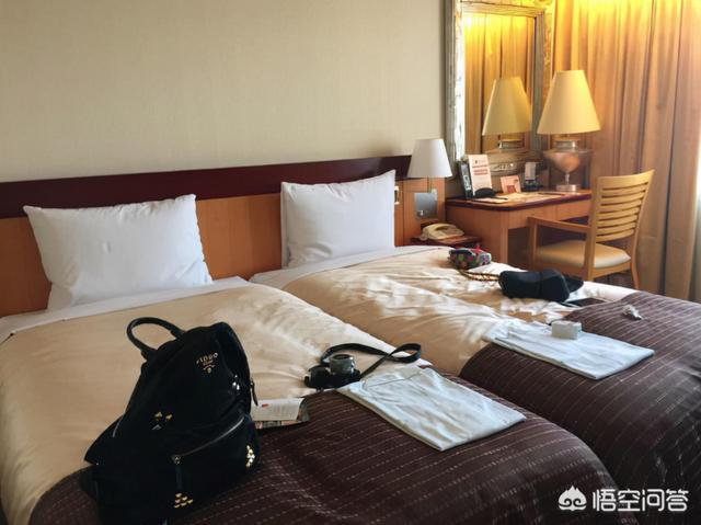 住酒店你是怎么检查有没有针孔摄像头?