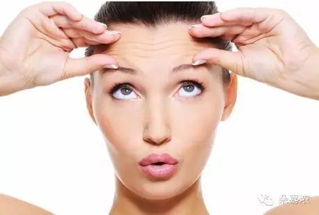 脸上的皱纹很多,皮肤很松弛怎么能改善?