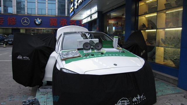 奔驰C200L选什么配置改音响才好,车在义乌?(图1)