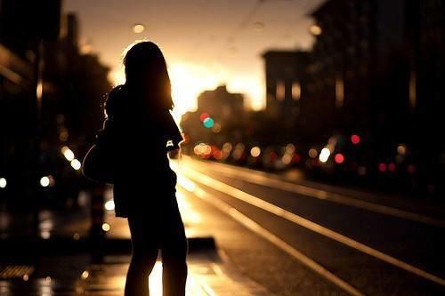有哪些看了心碎心情不好的伤感说说句子?