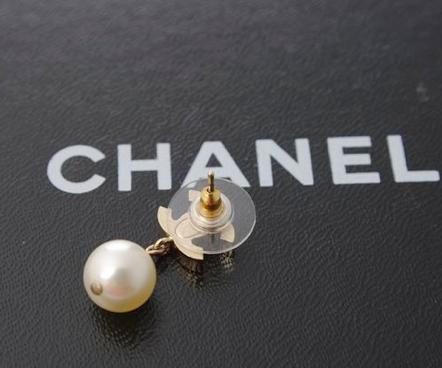 为什么很多奢侈品牌的珍珠饰品都使用假珍珠?插图2