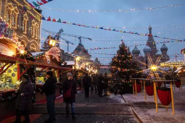 苏联给西方的圣诞节礼物,俄罗斯过圣诞节吗?怎么过呢?