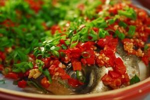 剁椒鱼头是选用什么鱼头做食材最老少皆宜?