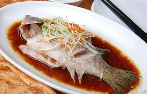 两岁多的宝宝适合吃什么样的鱼呢?(什么鱼刺少适合宝宝吃)