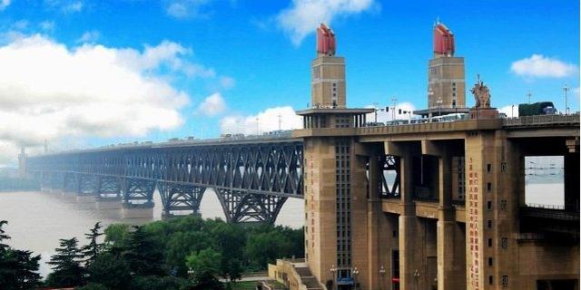 南京长江大桥是什么情况?