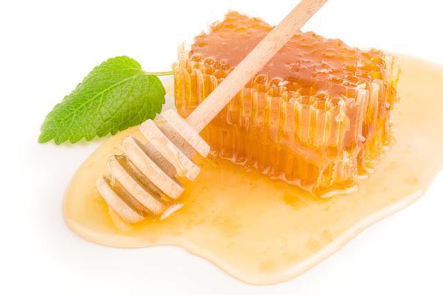 水果美容护肤小窍门(蜂蜜水美容护肤小窍门)