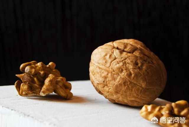 核桃养生功效与禁忌,什么人适合吃核桃?核桃吃多少才健康?