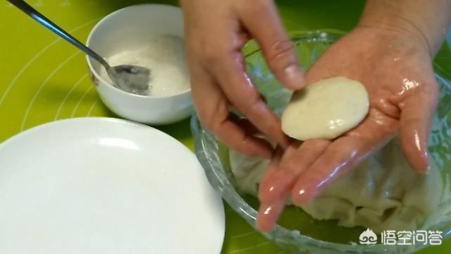 炸糖糕怎么做才能像老店里卖的那样好吃?(糖糕怎么做好吃又松软)