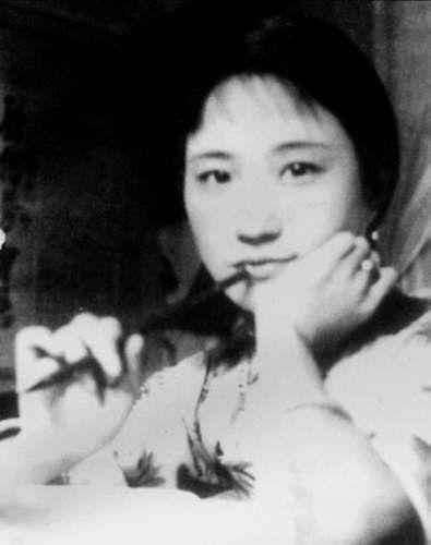 徐志摩死后,民国名媛陆小曼的后半生是如何度